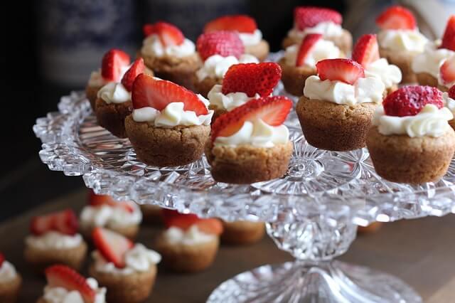 Tassikoogid maasikatega