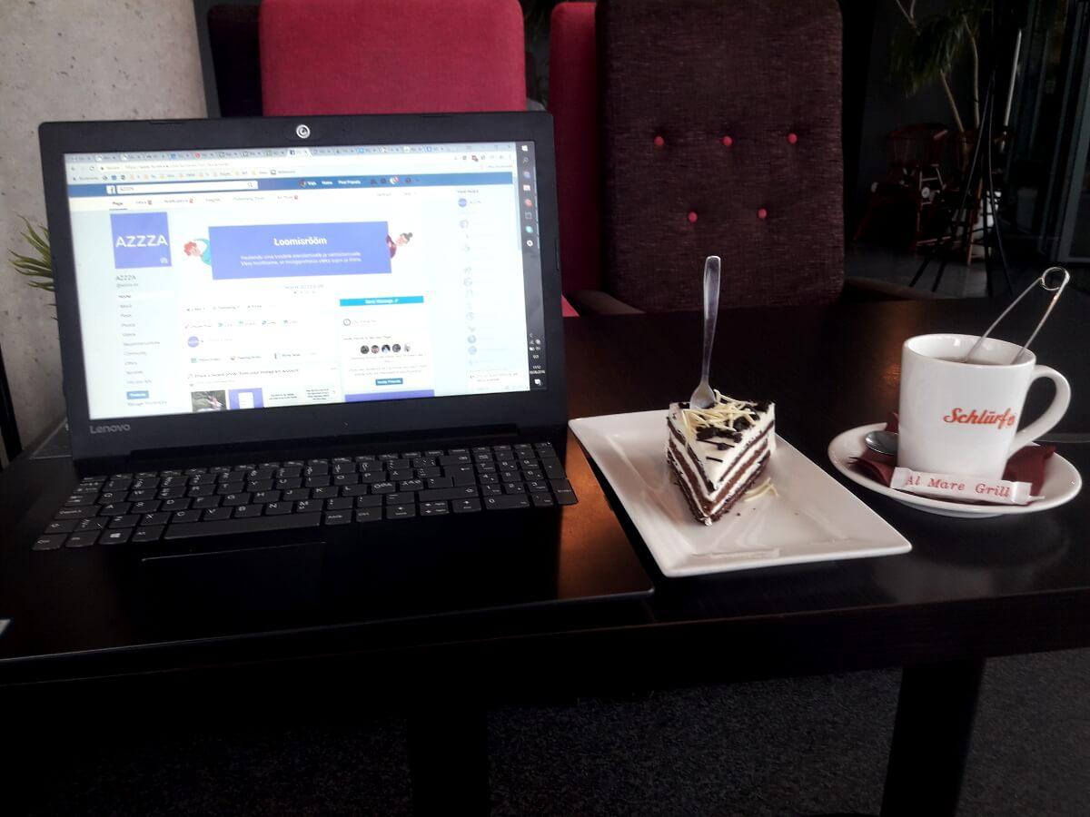 AZZZA hinge Kaja mõnus töine hetk kohvikus