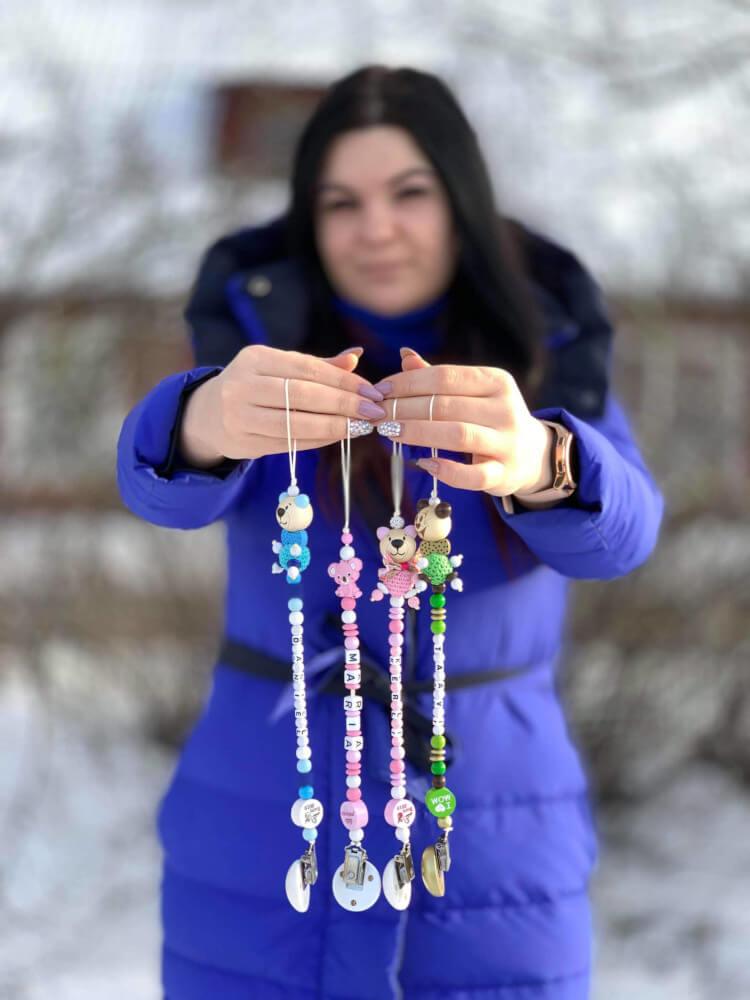 Diana Savostkina oma beebi aksessuaaridega