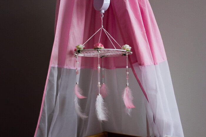 Roosa unenäopüüdjast voodikarussell