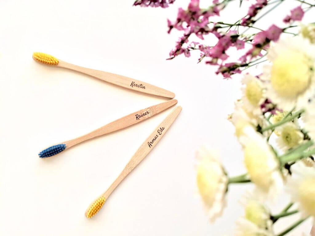 bambusest-hambaharajad-lilledega