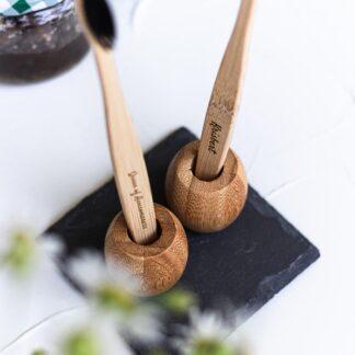 Bambusest hambaharja tops