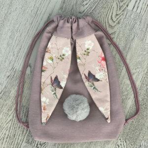 roosa-mustrikõrvadega-jänku