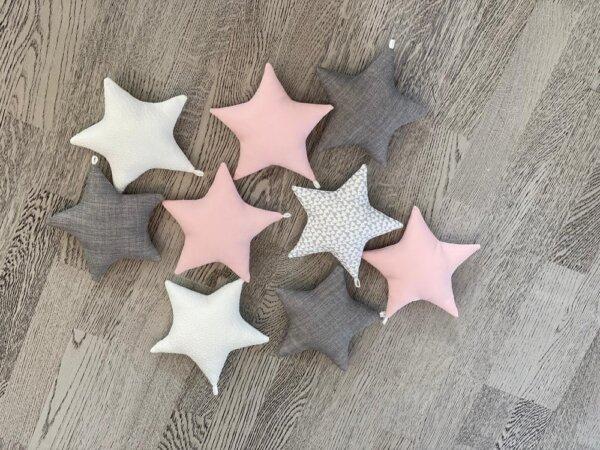 Täheketi tähed heleroosaga