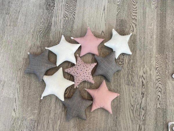 Täheketi tähed vanaroosaga