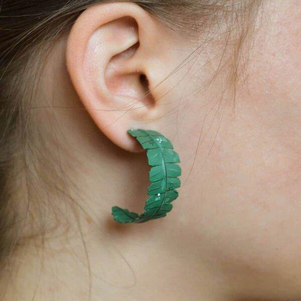 suured ümarad kõrvarõngad
