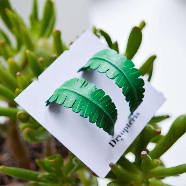 suured ümarad kõrvarõngad roheline