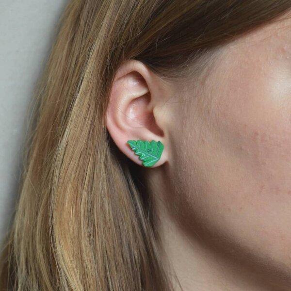 väikesed kõrvarõngad