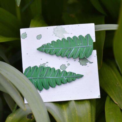 väikesed klambrid rohelised