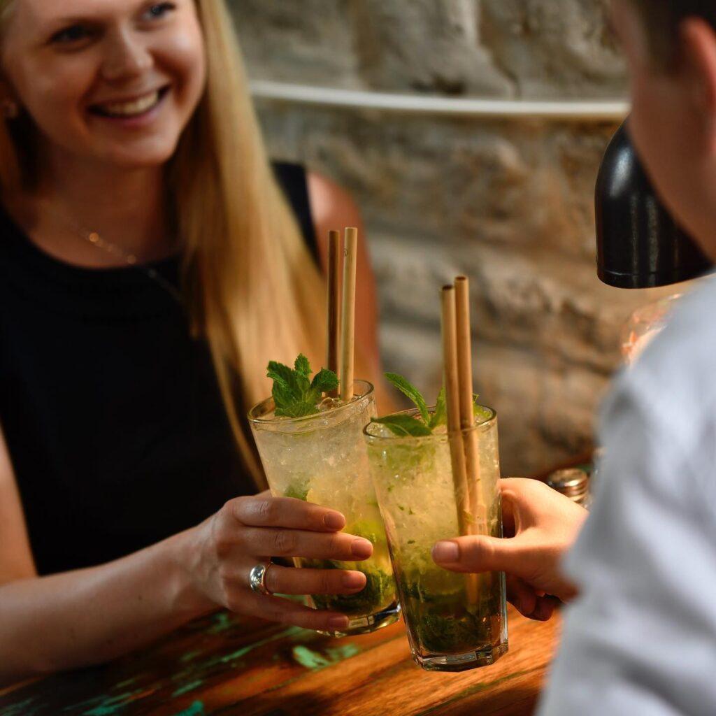 sutu-pilliroost-joogikõrred-joogis